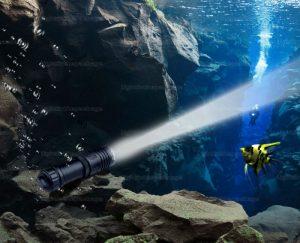 torcia subacquea a led